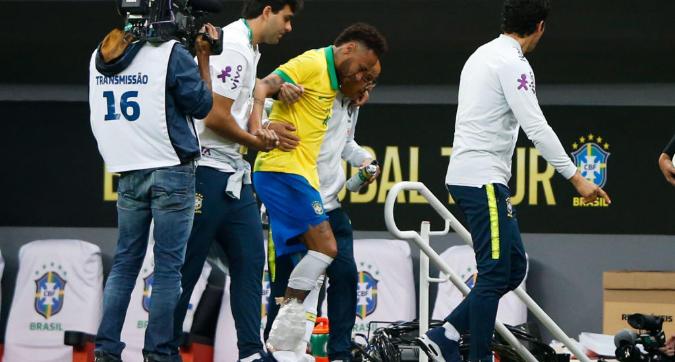 Brasile, infortunio alla caviglia per Neymar: salterà la Copa America