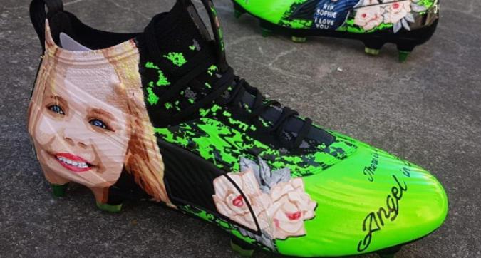 James Maddison, scarpe speciali per ricordare Sophie Taylor
