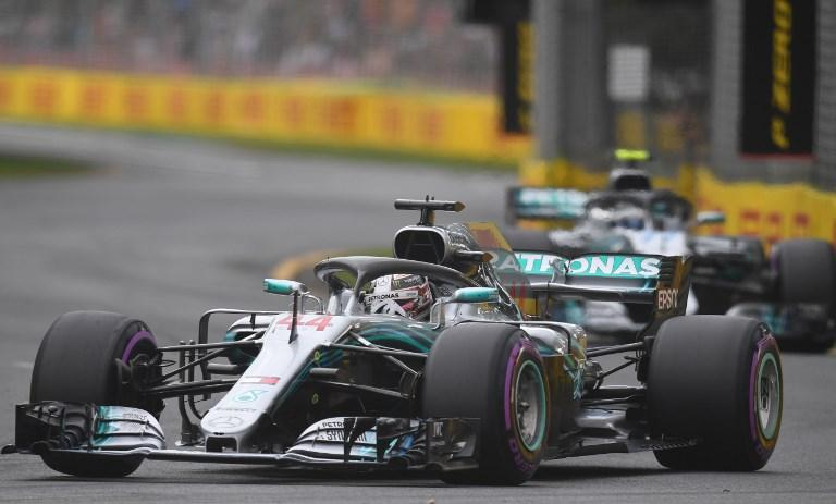 F1, lezione di pole di Hamilton a Melbourne