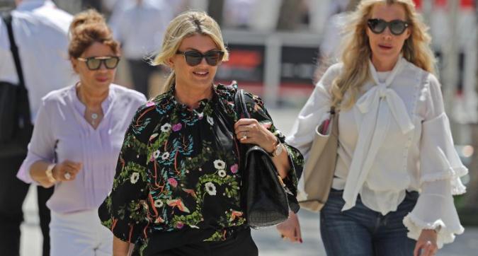F1, in Bahrain Corinna Schumacher torna nel paddock per seguire da vicino Mick