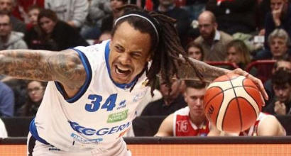 Basket, serie A: cade Brescia, aggancio in vetta per Milano e Avellino