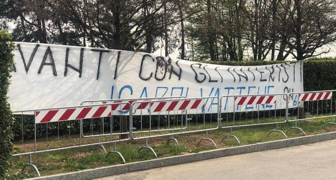 """La Curva Nord è contro Maurito: """"Avanti con gli interisti, Icardi vattene!"""""""