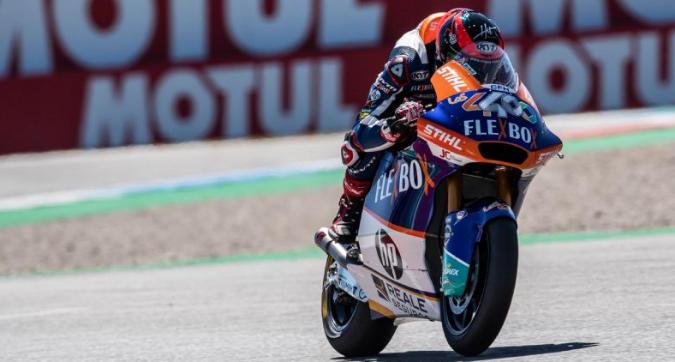 Moto2, ad Assen la spunta Fernandez