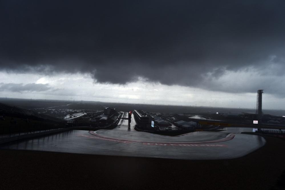 Diluvio ad Austin, FP2 cancellate