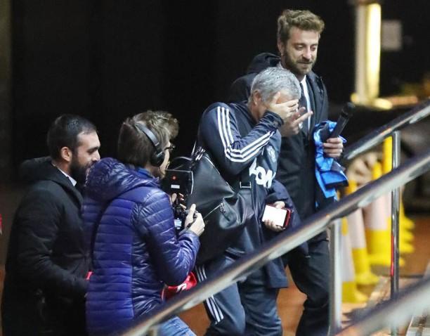Mourinho e... la maglia di Conte