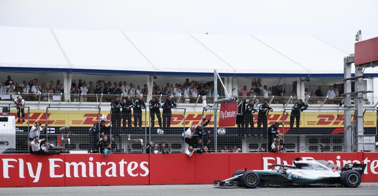 F1 Germania: trionfa Hamilton, la pioggia tradisce Vettel