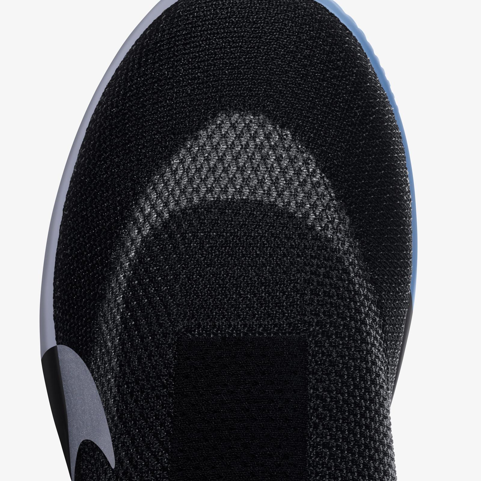 sneakers for cheap 113e0 15f46 La Nike lancia la prima scarpa che si allaccia da sola ...