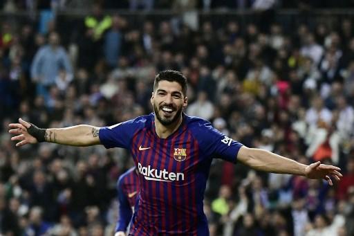 Saurez 8,5: un cannibale. Realizza due gol e mezzo: il Barcellona vince grazie a lui