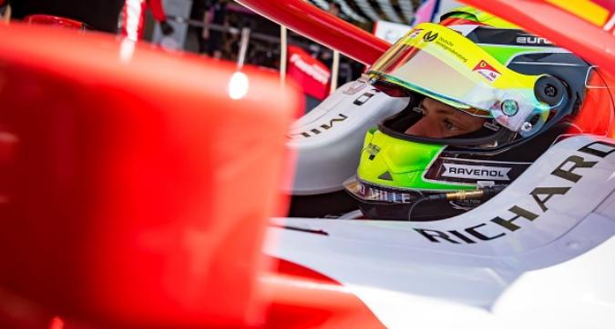 Formula 2, Mick Schumacher debutta in Bahrain