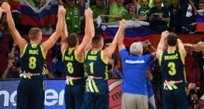 Europei di basket: la Slovenia batte la Spagna, prima storica finale