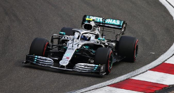 F1, Bottas svetta nelle libere