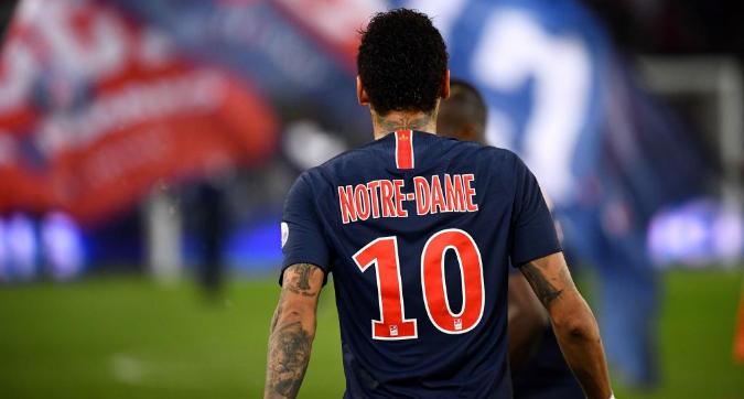 Il Psg per Notre-Dame: maglia speciale e beneficenza