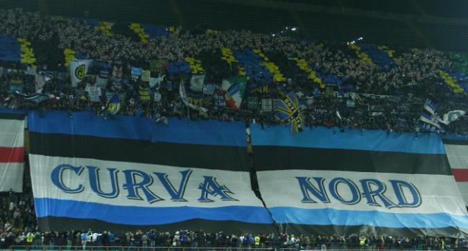 """Inter, la Curva Nord minaccia: """"Fuori i coglioni, sarà festa o guerra"""""""