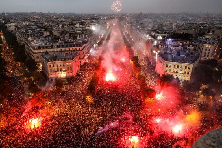 Le strade di Parigi in festa per la vittoria nella Coppa del Mondo contro la Croazia (15 luglio)