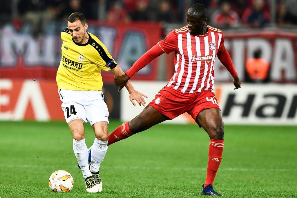 Il centrocampista Yaya Touré, 35 anni: ha risolto il contratto con l'Olympiacos