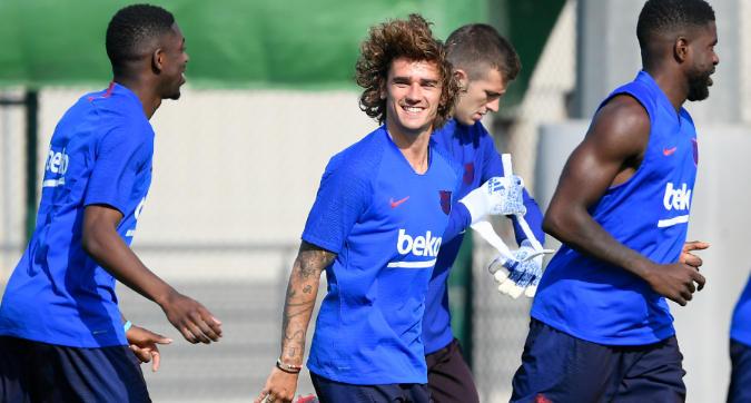 Griezmann, quanti sorrisi nel primo allenamento con il Barcellona