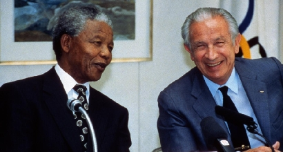 Mandela e Samaranch (LaPresse)