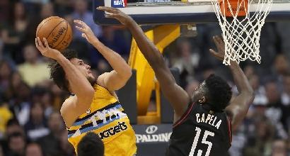Basket, Nba: i Warriors abbattono i Jazz, Gallinari cade a Washington