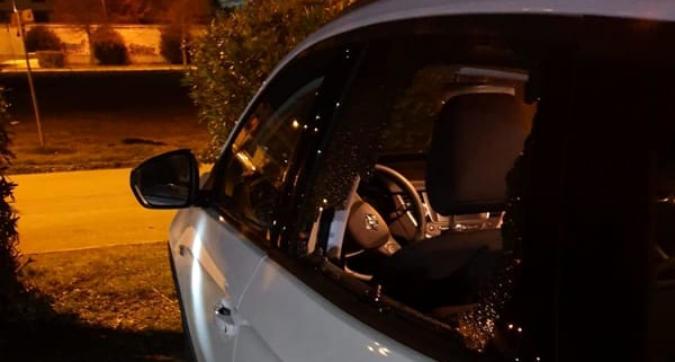 Volley, vergogna a Caserta: derubate e distrutte le auto delle atlete