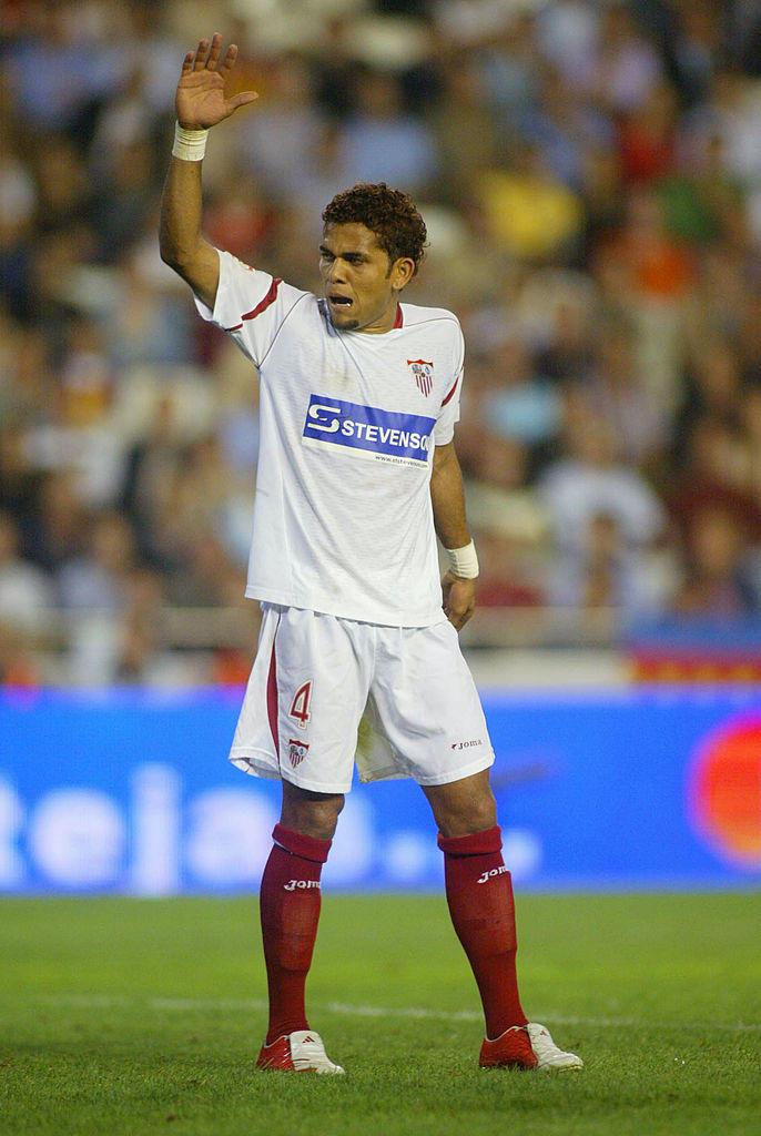 Siviglia (2002-2008): una coppa di Spagna, una Supercoppa di Spagna, due coppa Uefa, una Supercoppa Uefa