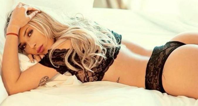 Agustina Gandolfo, buonanotte sexy su Instagram