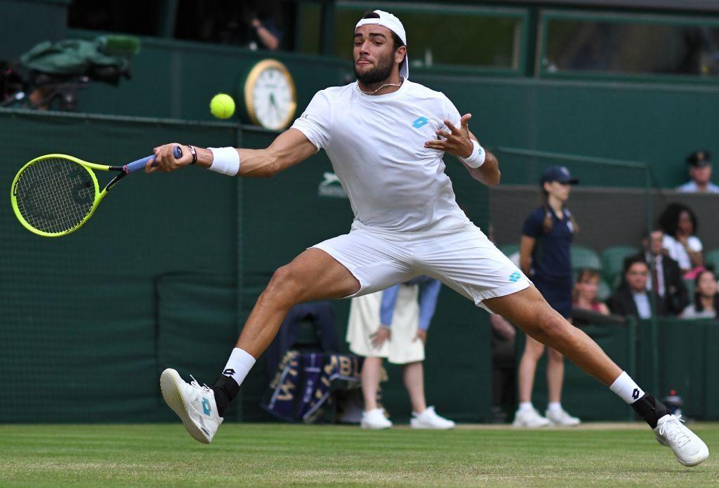 Tennis, ottavi Wimbledon: Berrettini ko con Federer, le foto