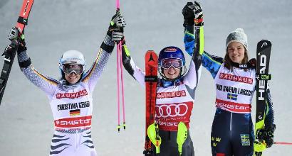 Sci, slalom parallelo Stoccolma: storico trionfo per Mikaela Shiffrin, Zenhaeusern vince tra gli uomini