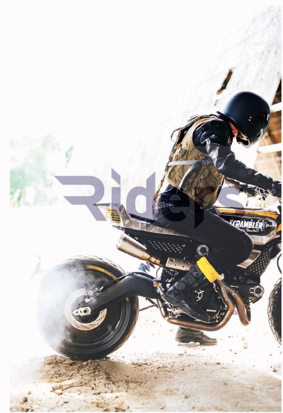Riders Italian Magazine presenta in anteprima mondiale, con un servizio esclusivo, le foto della SC-Rumble, la customizzazione più estrema della Scrambler Ducati che verrà presentata venerdì 22 magigo al Bike Shed di Londra