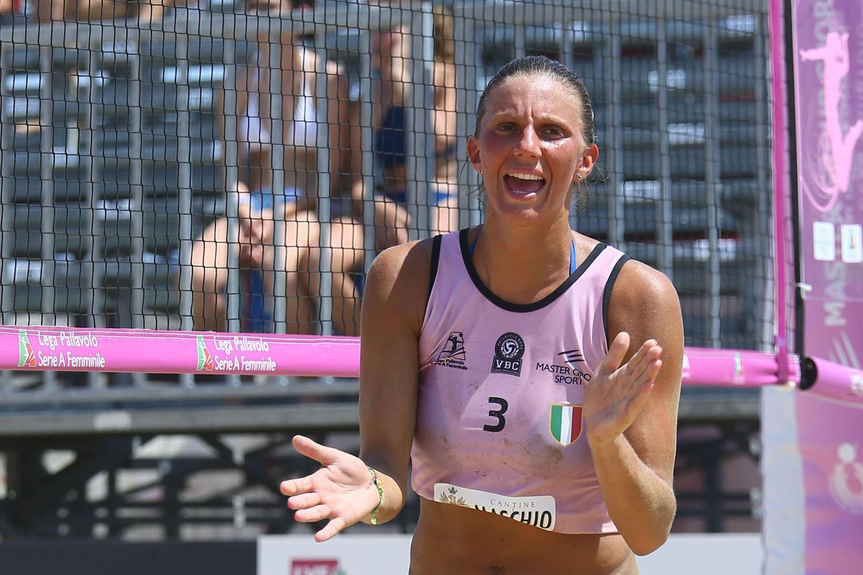 Terzo posto per Vbc Apis Casalmaggiore, allenata da Carmen Turlea, nella prima tappa del Lega Volley Summer Tour 2019, che si è tenuta a Vasto (CH) e ...