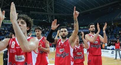 Basket, Serie A: Reggio Emilia alza la voce, Brescia è travolta