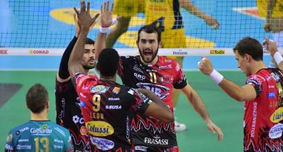 Volley: rimonta vincente di Perugia, Modena e Civitanova avanti tutta