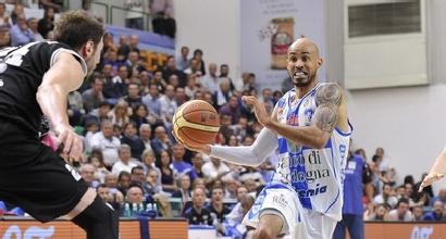 Basket, Serie A: Trento espugna Sassari, Cremona non si ferma