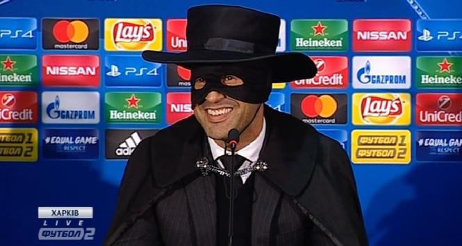 Promessa mantenuta: l'allenatore dello Shakhtar Fonseca si veste da Zorro