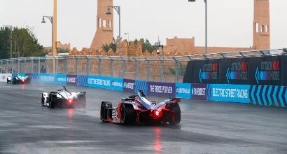 Inizio bagnato per la Formula E: la prima pole è di Da Costa