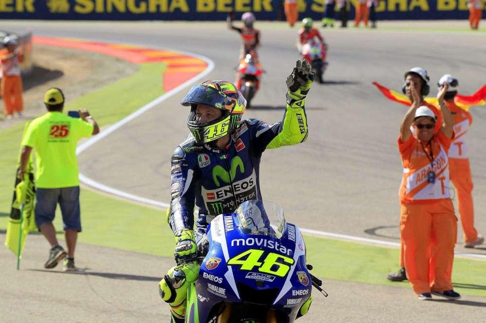 MotoGP, GP Aragon: Lorenzo vince, Rossi show con Pedrosa