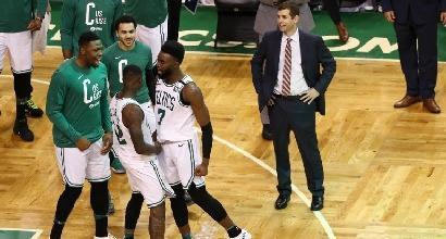 Nba playoff - Indiana sorprende Cleveland, Celtics e Rockets vincono soffrendo in gara-1