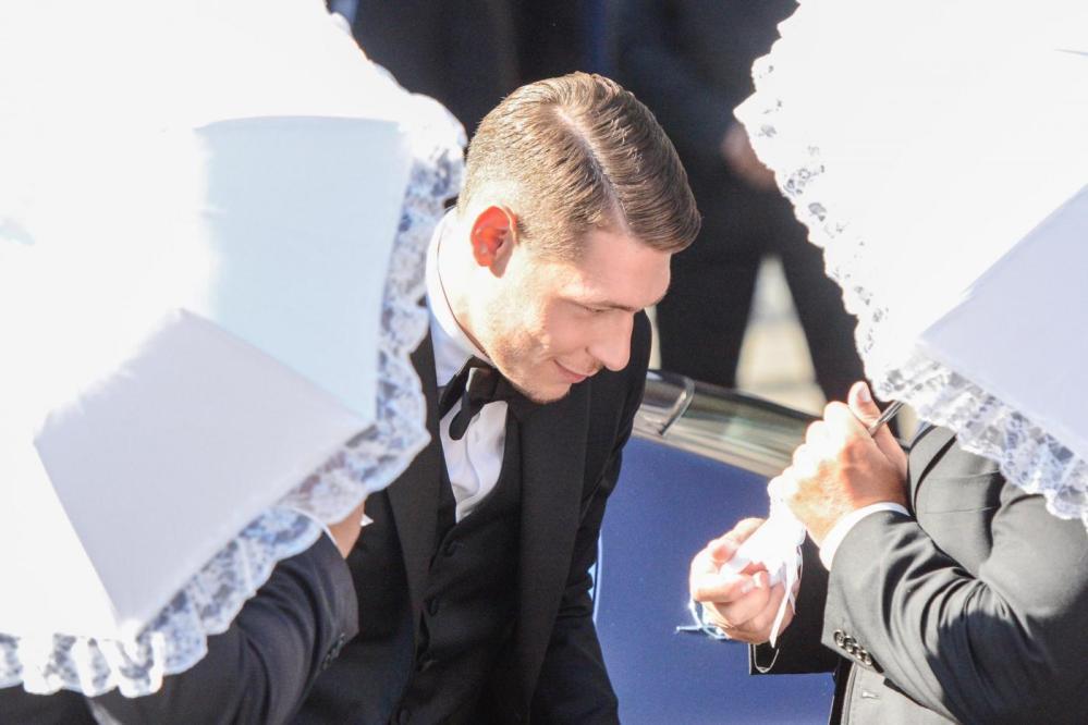 Il Gallo va all'altare: Andrea Belotti ha detto sì alla sua storica fidanzata Giorgia Duro nella Chiesa di San Francesco di Paola, a Palermo. Tra gli invitati, come ovvio, tantissimi colleghi calciatori tra cui il compagno di Nazionale Ciro Immobile.