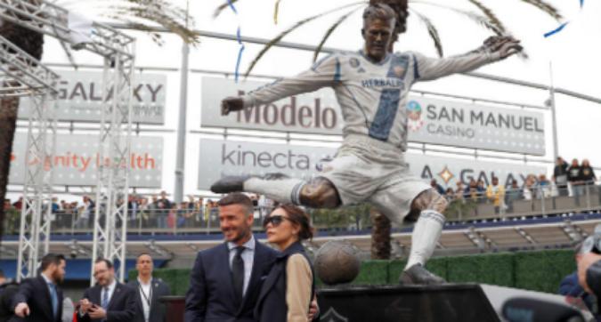 MLS, i Los Angeles Galaxy dedicano una statua a Beckham