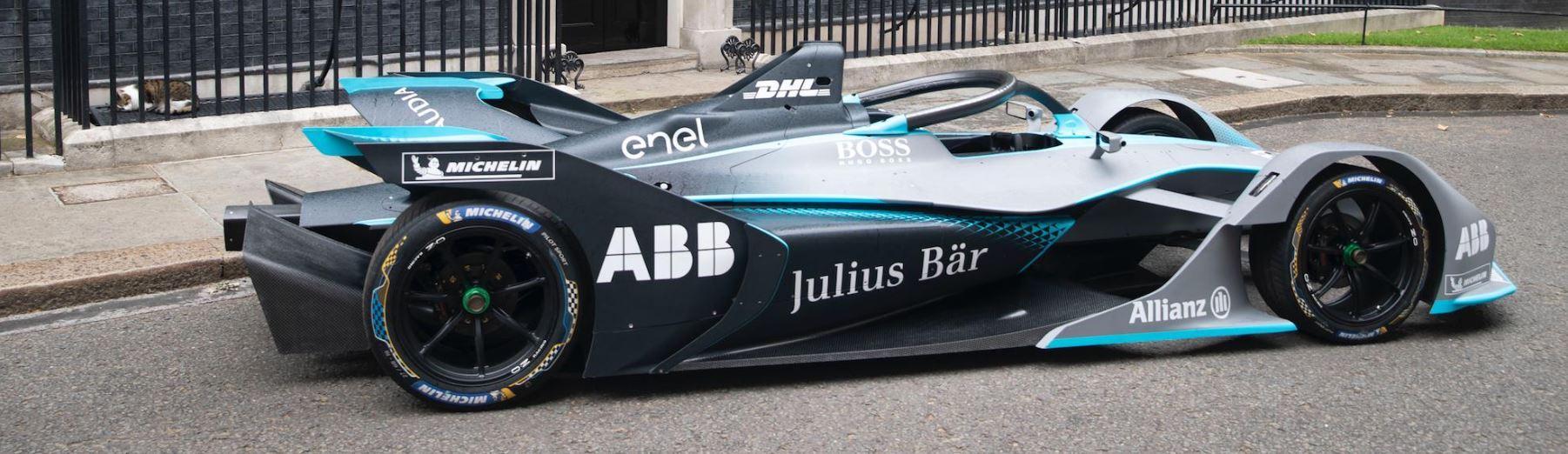 La Formula E sbanca a Downing Street al numero 10, residenza del primo ministro britannico Theresa May. Prima di lasciare il suo incarico, la premier ...