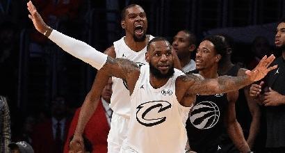 Basket, Nba: non delude Boston, si ferma Toronto. Ancora tripla doppia per LeBron