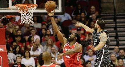 Nba: non sbaglia un colpo Houston, Golden State torna al successo