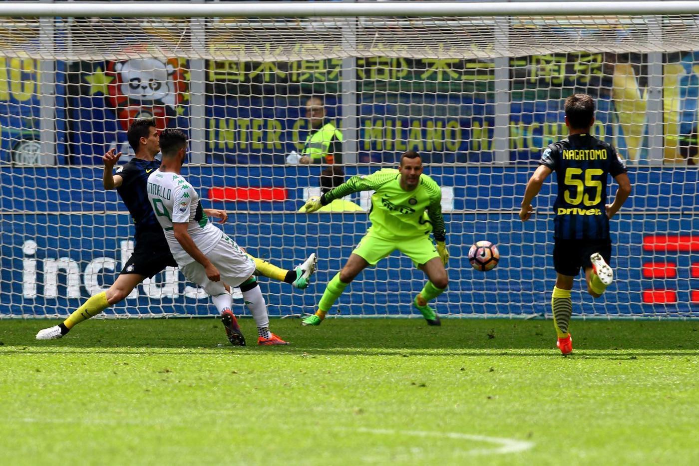 Iemmello punisce l'Inter