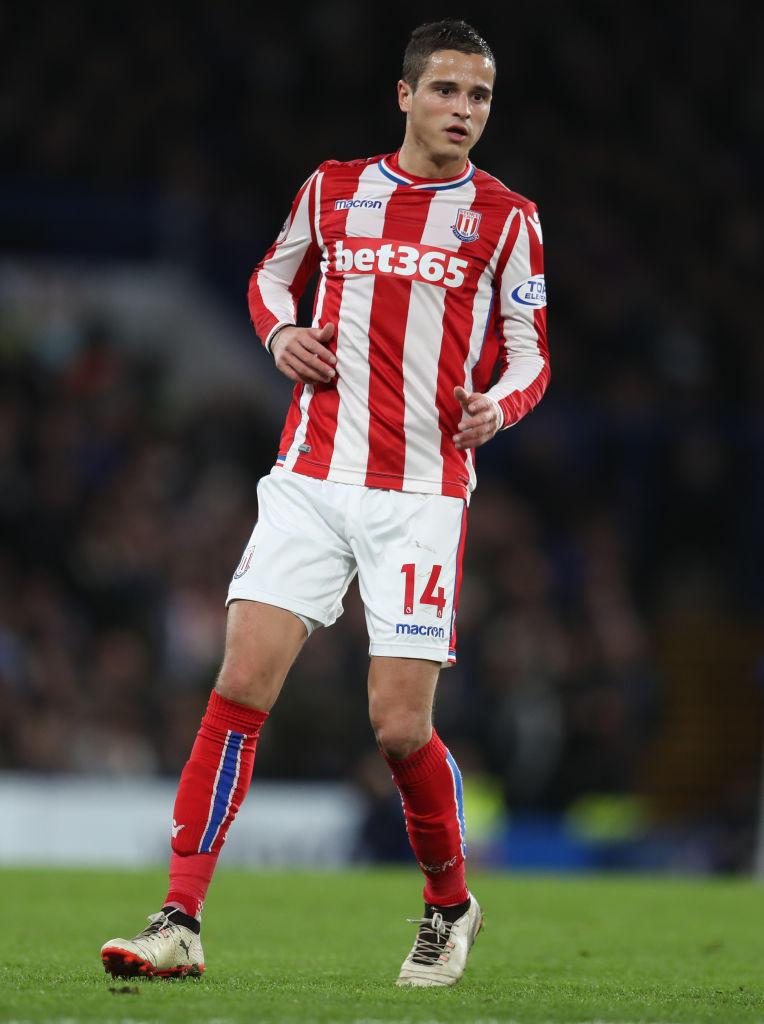 L'attaccante Ibrahim Afellay, 32 anni: lo Stoke City non l'ha riconfermato