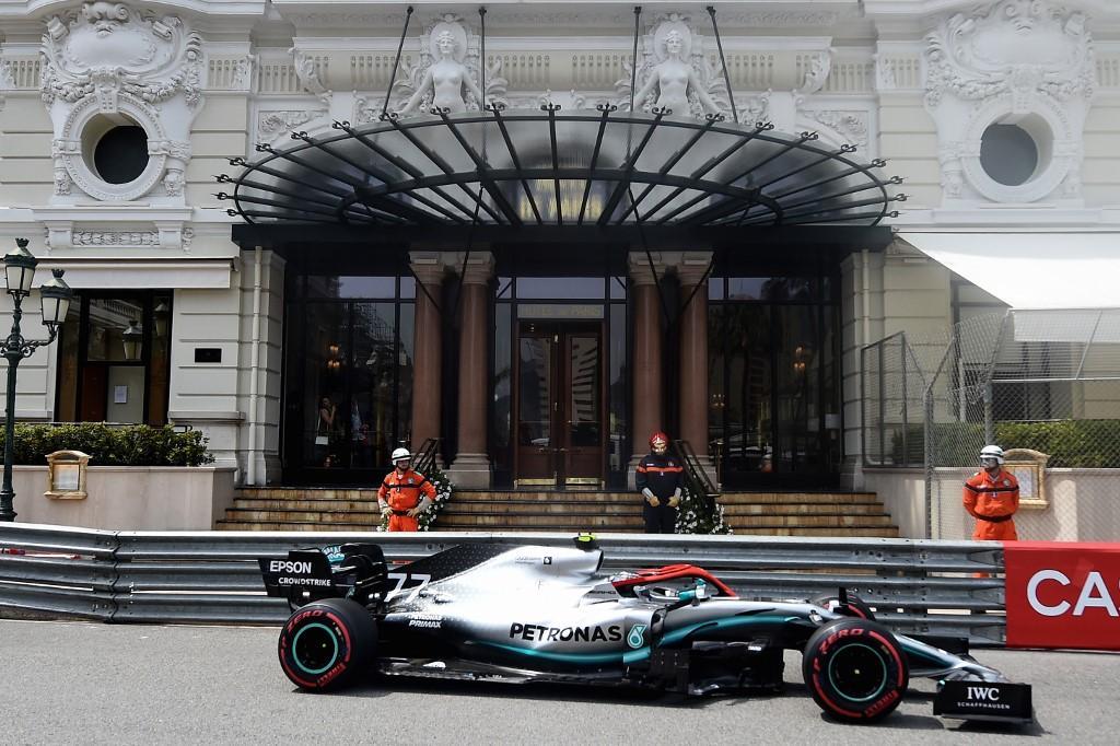 F1, Hamilton fa 85 pole