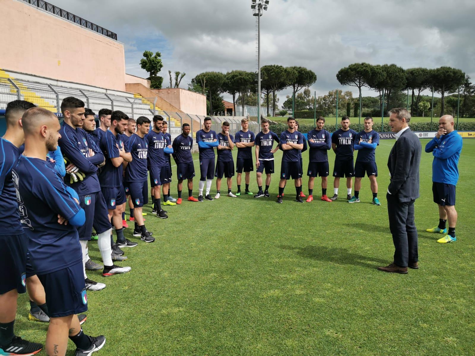 Mancini tiene a rapporto l'Under 21