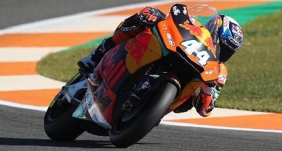 Moto2, Oliveira rimonta Morbidelli e fa tris a Valencia