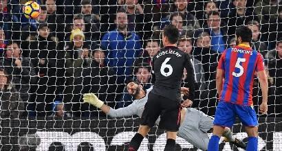 Premier, Sanchez trascina l'Arsenal
