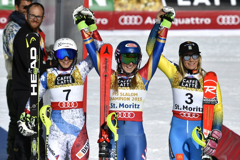 """Mikaela Shiffrin si conferma regina dello Slalom Speciale conquistando, a St. Moritz, il terzo oro Mondiale consecutivo di specialità. L'americana trionfa con il tempo complessivo di 1'37""""27 precedendo di 1""""64 la svizzera Wendy Holdener. Sul terzo gradino del podio sale la svedese Frida Hansdotter (+1""""75). Prova deludente per le italiane: Chiara Costazza, Irene Curtoni e Manuela Moelgg escono nella prima manche, 24esima Federica Brignone (+5""""06)."""