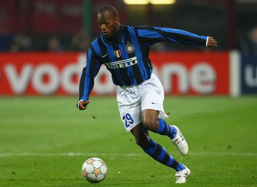 Suazo: protagonista di un derby di mercato tra Inter e Milan nel 2007. Finisce ai nerazzurri