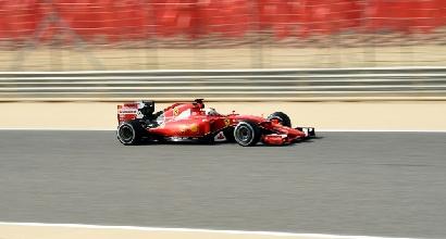 F1, libere 3 Bahrain: Hamilton prenota la pole, ma Vettel è vicino